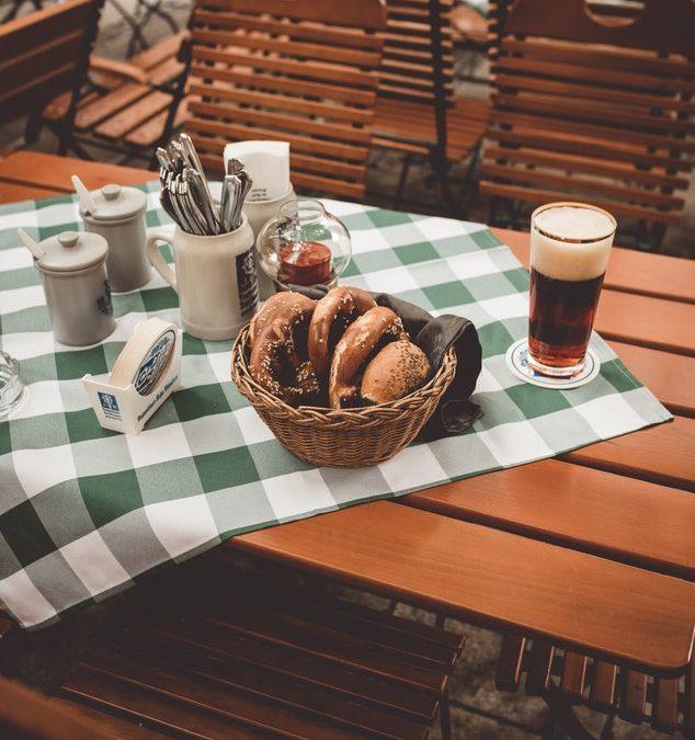 Sal de la rutina en un restaurante alemán