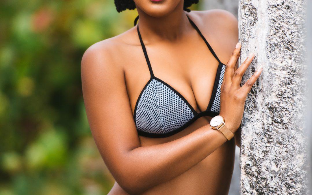 Levantamiento de senos para un cuerpo 10